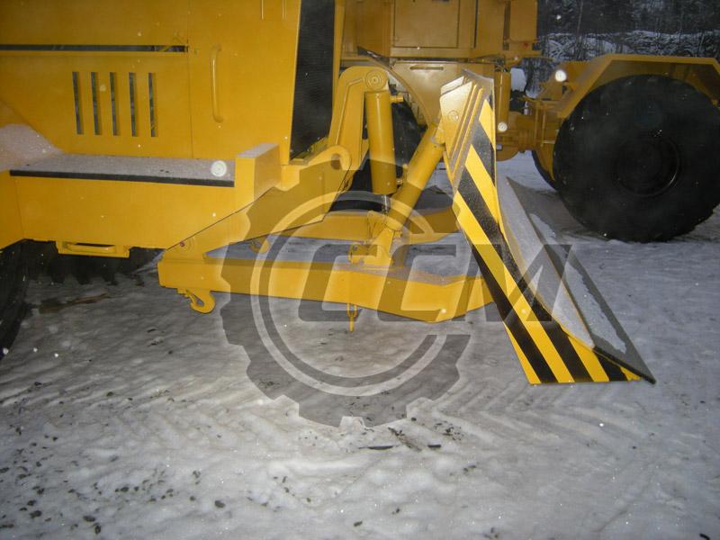 Бульдозерный отвал для установки на трактора К-700, К-701, К-703